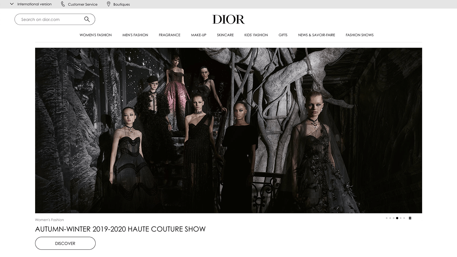 Best Fashion Brand Websites And Design Trends For Online Apparel Stores